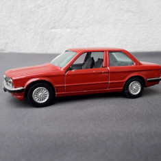 Macheta BMW 323 i E 30 ursulet GAMA - Macheta auto, 1:43