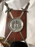 Panoplie miniaturala,veche,franceza,cu blazon si  doua sabii ,incrucisate