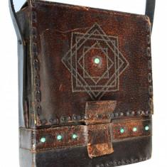 Superba geanta de umar, poseta, borseta hippie lucrata manual in piele - Geanta Dama, Culoare: Maro, Marime: Medie, Geanta stil postas