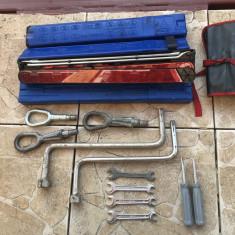 Trusa, triunghi, cheie, cui tractare, surubelnita original BMW E60, E87, E90 - Trusa auto prim ajutor