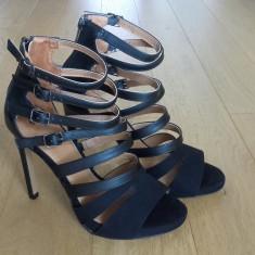 Vand pantofi cu toc, H&M, marime 38 - Pantof dama H&M, Culoare: Negru
