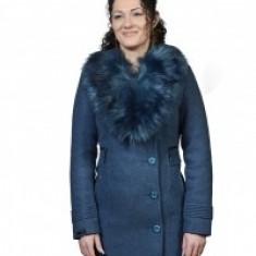 Palton albastru cu guler de blană