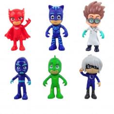 Set 6 figurine eroi in pijamale cu 3 accesorii - Figurina Desene animate, 4-6 ani, Unisex