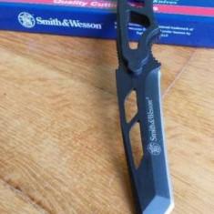 Cutit Smith&Wesson cu lant - Briceag/Cutit vanatoare