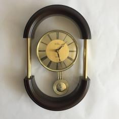 Ceas de perete cu pendula marca,ROYAL