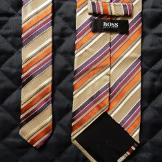 Cravata Hugo Boss Made in Italy; 100% matase; 145 cm lungime totala; ca noua, Culoare: Din imagine