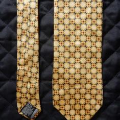 Cravata Beaufort Made in Italy; 100% matase; 146 cm lungime, 9.5 cm latime, Culoare: Din imagine