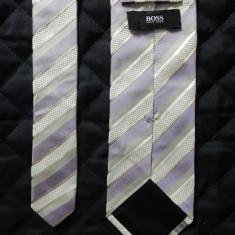 Cravata Hugo Boss Made in Italy; 100% matase; 152 cm lungime totala; ca noua, Culoare: Din imagine
