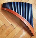 Vand Nai profesional tenor, 24 de tuburi, pe stanga, realizat in Peru.