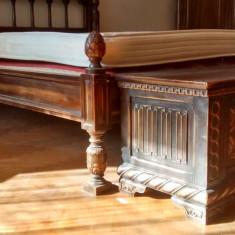 Mobila veche Florentina + Mobila din lemn sculptata pentru dormitor