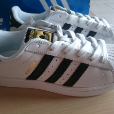 Adidasi ADIDAS SUPERSTAR; Noi, Nepurtati, Originali, din Germania, 39. - Adidasi dama, Culoare: Alb, Marime: 39 1/3