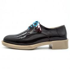 Pantofi casual pentru femei, Cod:033-37 Black Super Shine (Culoare: Negru, Marime Incaltaminte: 39) - Pantof dama UCU Dima