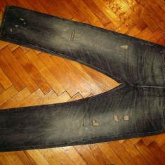 Blugi LEVIS 501-Marimea W33xL32 (talie-86cm,lungime-107cm)
