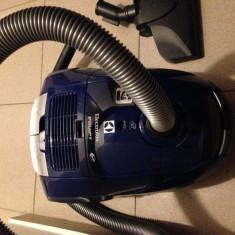 URGENT Aspirator cu sac Electrolux Equipt albastru, 1400 W
