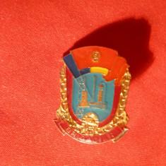 Insigna de Brigadier UTC , metal si email , h= 2,3 cm