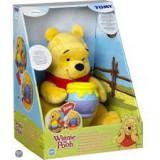 Jucarie de plus Tomy Winnie The Pooh cu vas de miere