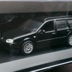 Macheta VW Golf 4 Variant IV - Editie de reprezentanta - Minichamps 1/43