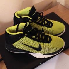 ADIDASI NIKE ORIGINALI - MARIME 38 - Adidasi barbati Nike, Culoare: Verde, Textil