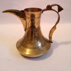 Vas de bronz, vechi, vintage, cu incrustatii, 11cm inaltime, 7 cm diametru fund