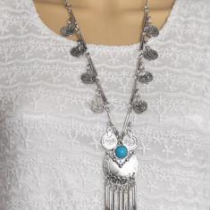 AC927-4 Colier lung argintiu cu banuti metalici si piatra semipretioasa albastra
