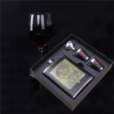 Set cadou Sticla din inox de buzunar CCCP cu pahare si palnie 230 ml