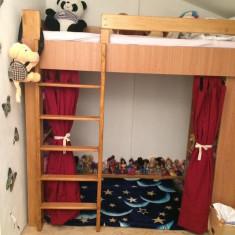 Vand pat suspendat cu loc de joaca copii