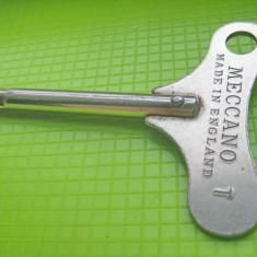 Cheie MECCANO England pentru ceasuri si jucarii vechi.
