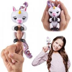 Jucarie interactiva smart Unicorn GIGI fingerlings cu functii, Altele, Unisex, Alb, Plastic