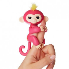 Maimutica interactiva Happy Monkey – Fingerlings roz - Jucarie interactiva, Altele, Unisex, Plastic