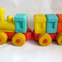 Jucarie romaneasca veche tren / trenulet Plastor Oradea, anii '80 plastic stanta, Seturi complete