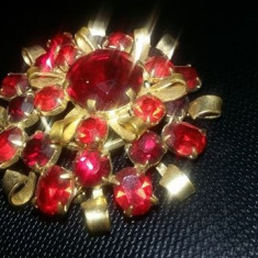 BROSA veche aurie cu pietre rosii, bijuterie vintage superba, Tp.GRATUIT