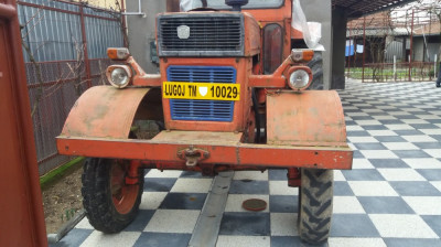 Tractor U650 foto