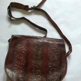 poseta de piele, vintage, tip postas, handmade, incrustatii, maro, 30x35x10cm