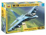 Kit Zvezda Macheta Avion YAK-130 1:72