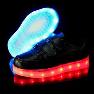 Adidasi cu Leduri negri pentru copii