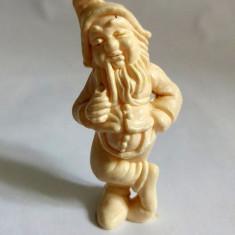 Figurina pitic, plastic alb, marca Titze, 7cm, detalii fine - Figurina Desene animate