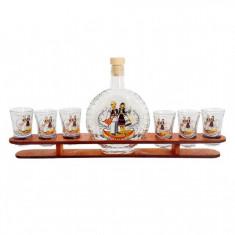 Minibar din lemn cu sticla si pahare tarancuta