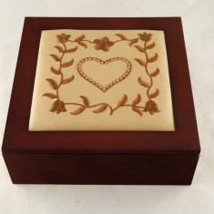 Cutie ceai, 9 compartimente, capac piele - Cadou