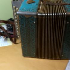 Harmonica pt. restorare, Acordeon