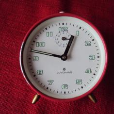 Ceas  de masa  Junghans