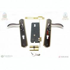 Broasca usa cu butuc si silduri L31 BN-GP - Incuietoare, maner si accesorii usa