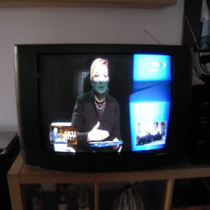 Televizor CRT, diag. 68cm Schneider STV-2830T, telec. compat., vedeti DESCRIEREA
