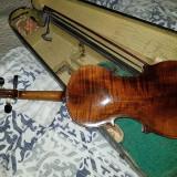 Vioara Antonius stradivarius cremonensis faciebat anno 17, Harley Benton