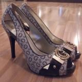 Pantofi Guess