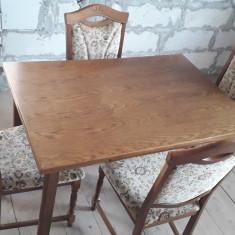 Masa extensibilă cu 4 scaune. Set din stejar masiv impecabil