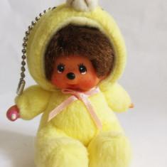 Monchhichi cu costum de ursulet galben, Sekiguchi, jucarie plus 9 cm, breloc