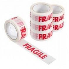 Scotch, banda adeziva inscriptia fragil