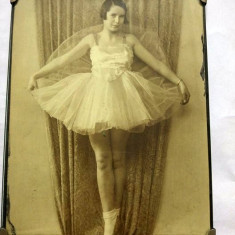 Fotografie veche, balerina, fotograf William Elsmore, Glasgow, final anii 1800