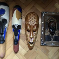Masti vechi, balineze, in basorelief, sculptate, in lemn, pictat - Arta din Africa