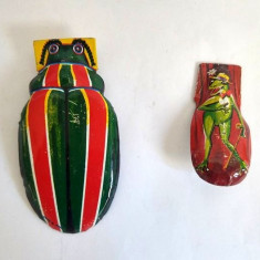 2 jucarii de tabla, clicker, insecte (greier si gandac) 8x4cm si 5x2cm